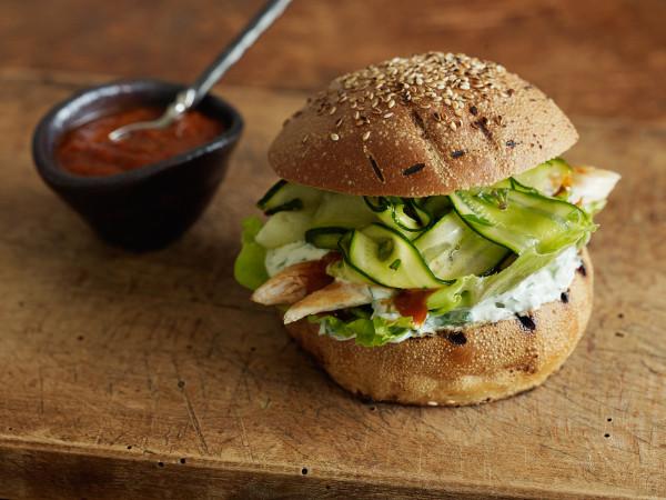 Chicken burgers with marinated zucchini