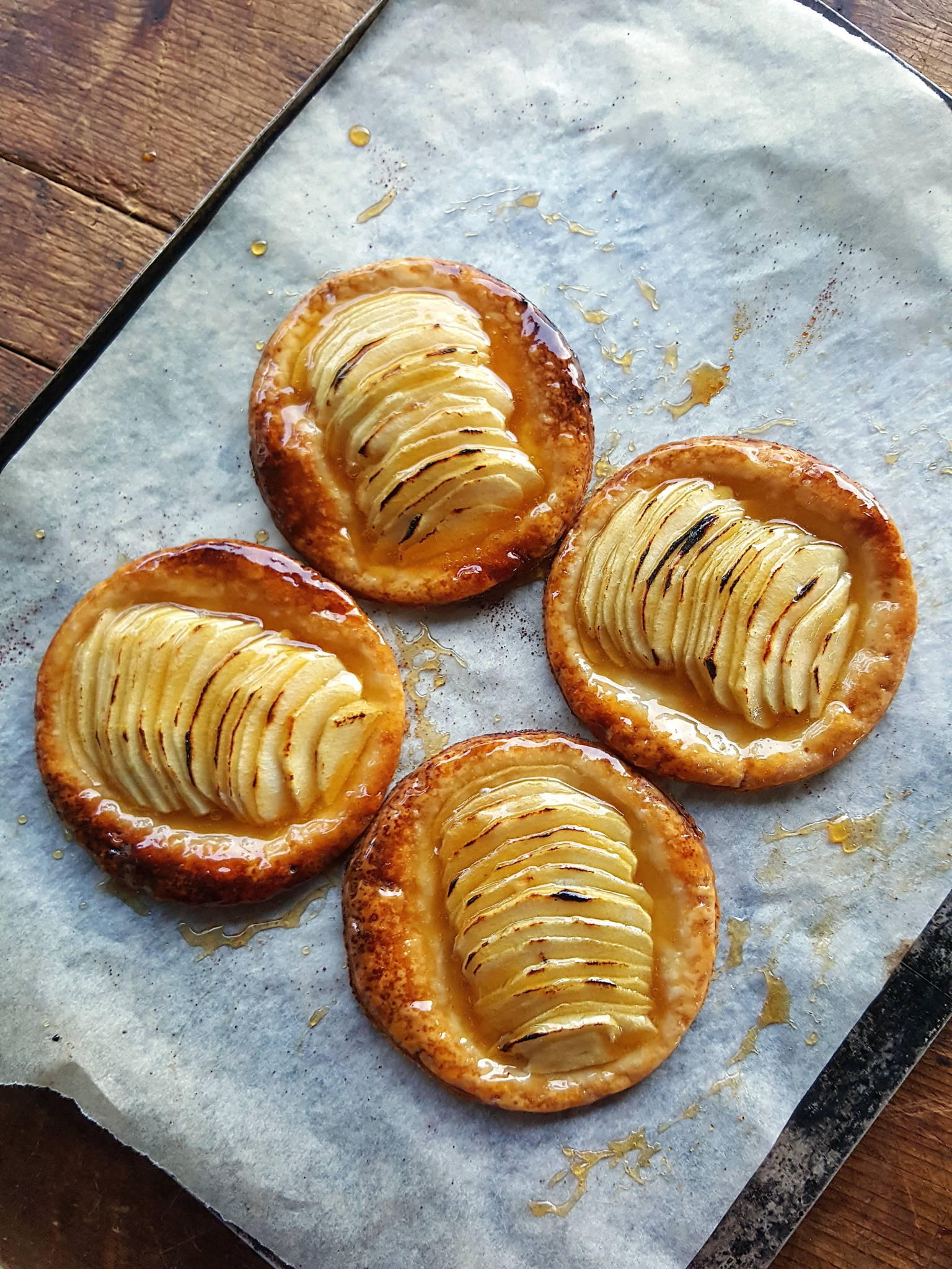Apple galettes