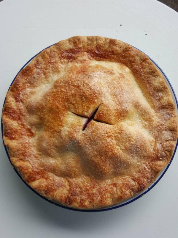 Blackberry & apple pie