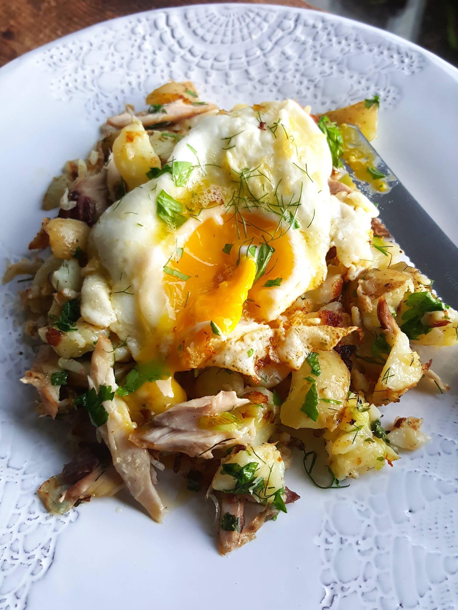Hash & eggs 2
