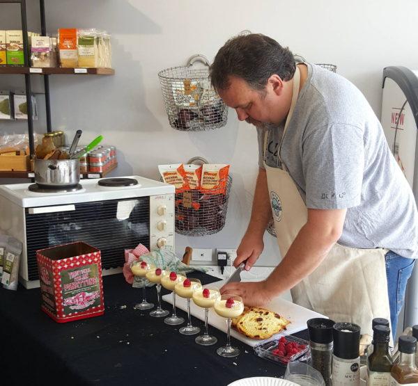 Martin cutting panettone