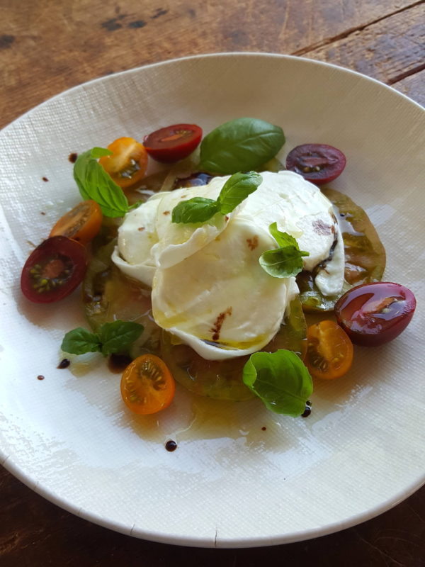Salad Caprese 1