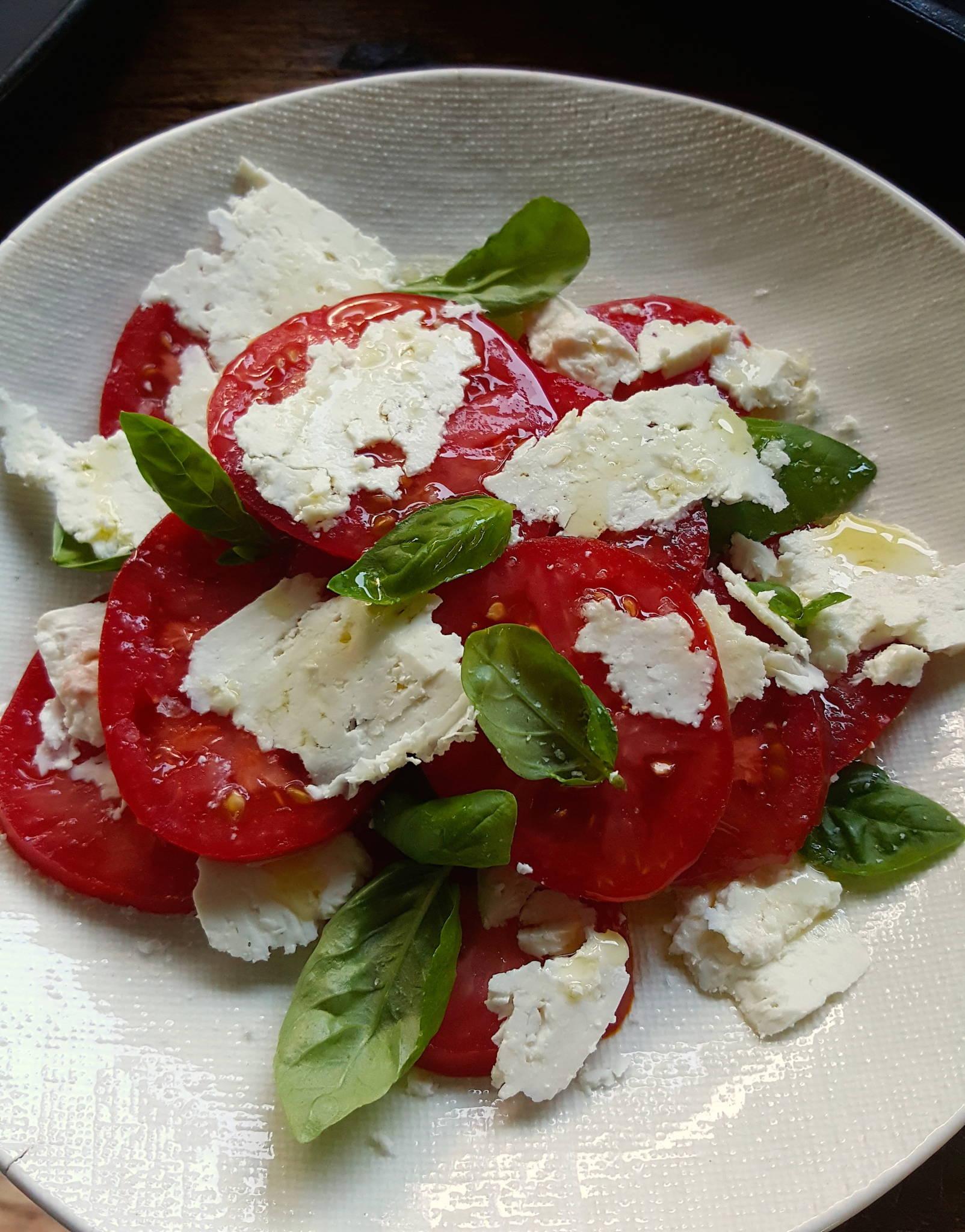Tomato & feta salad 1