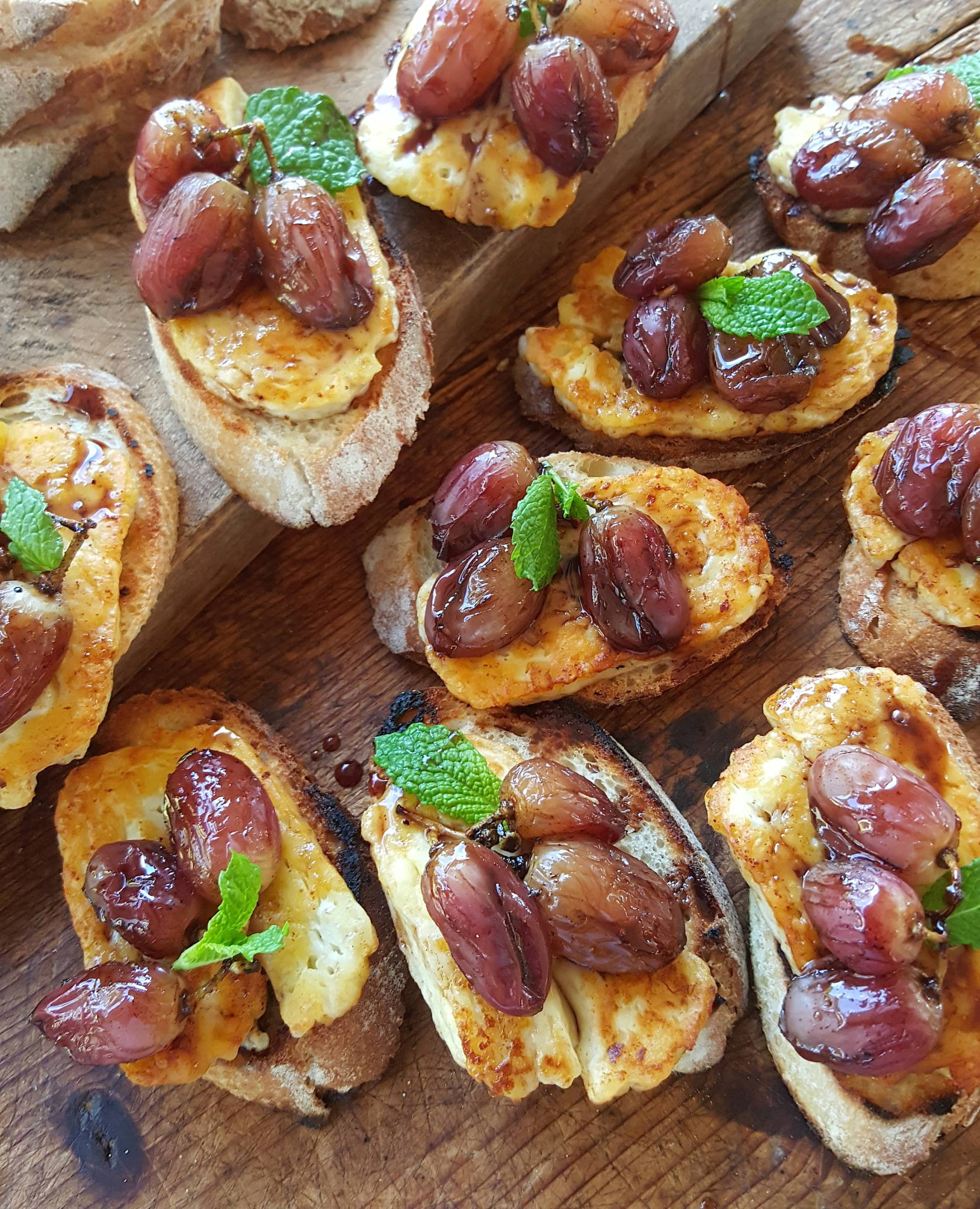 Haloumi & roasted grapes