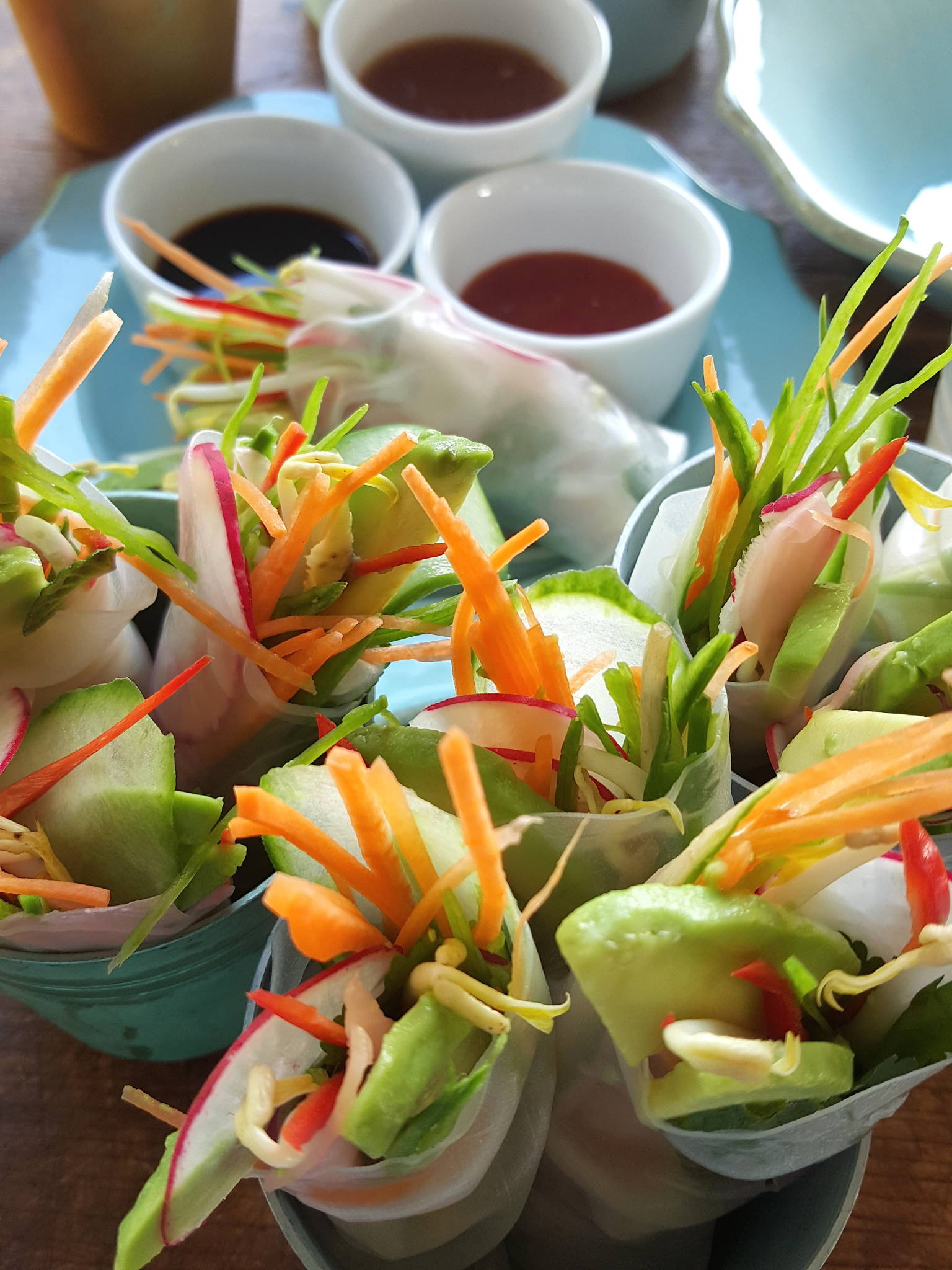 Rice paper rolls with crisp vegetables 3