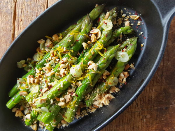 Asparagus with Toasted hazelnuts