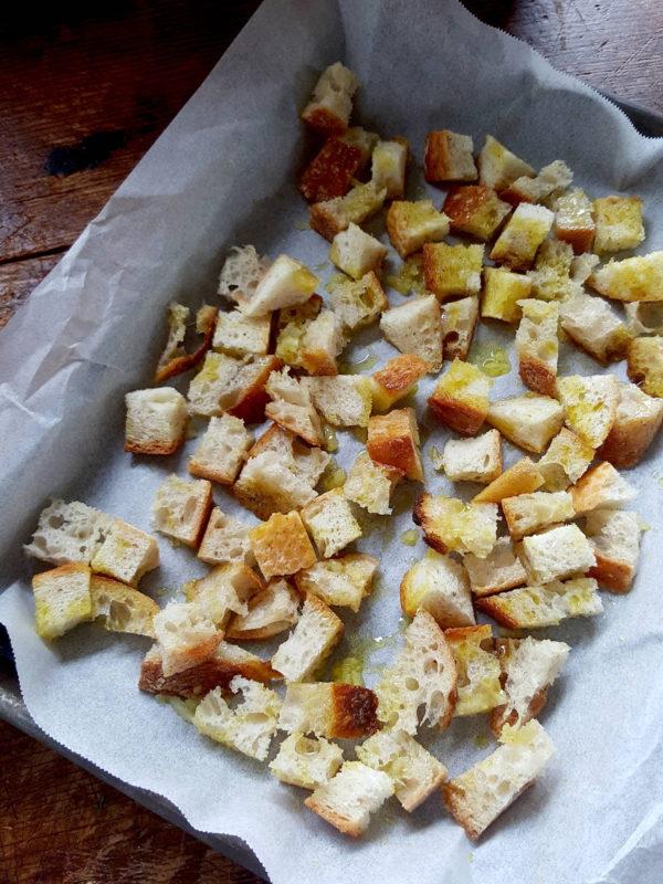 Garlic croûtons