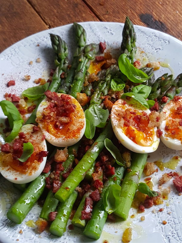 Asparagus with Eggs & Chorizo Crumb 1