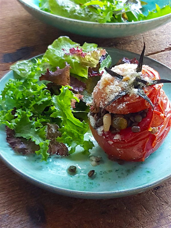 Baked Tomatoes Stuffed with Lentils 3