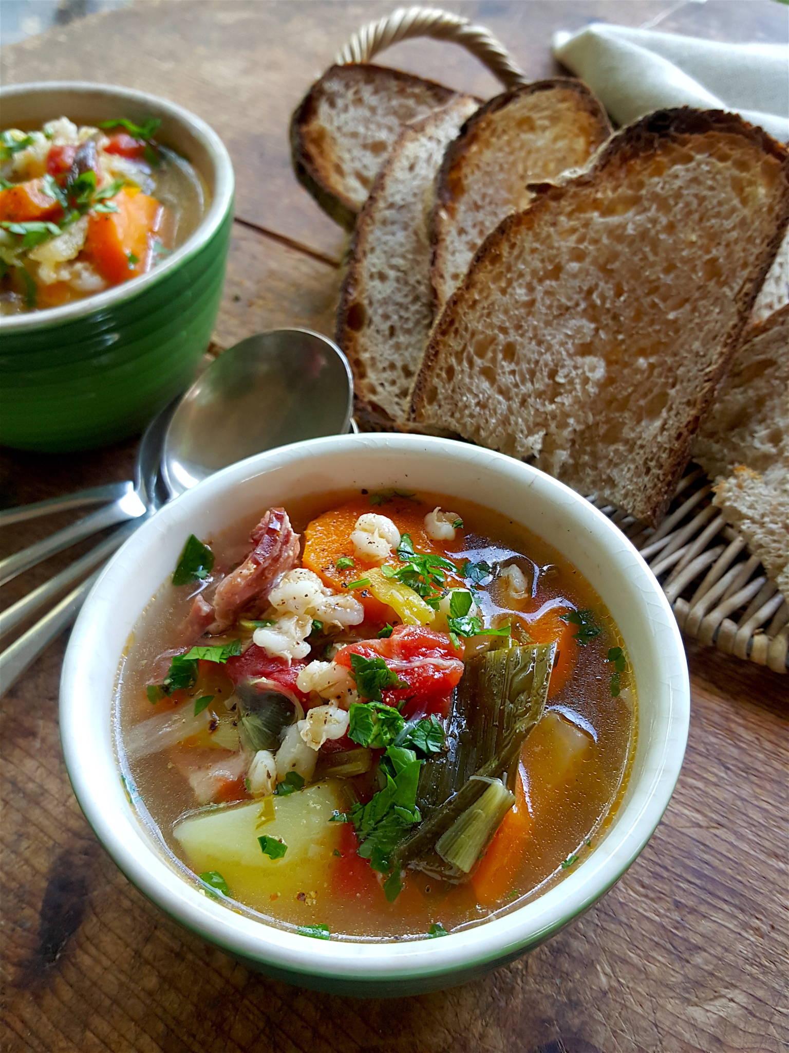 Good-for-you Vege & barley soup