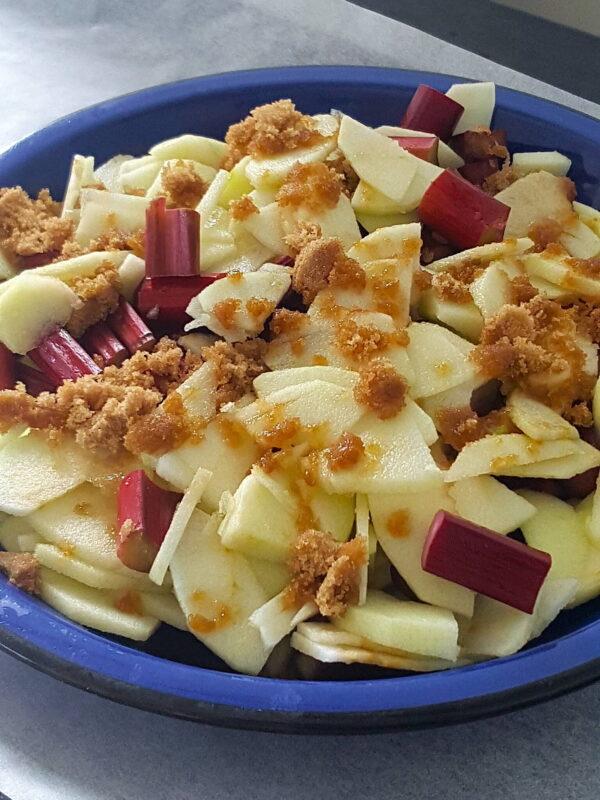 Layering up rhubarb & apple for crumble crisp