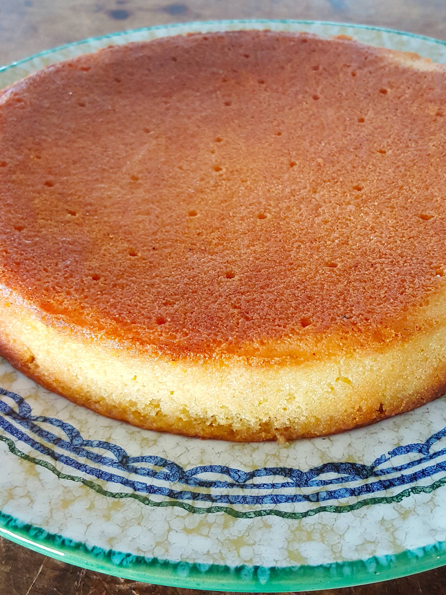 Drizzle with lemon glaze for extra deep lemony flavour