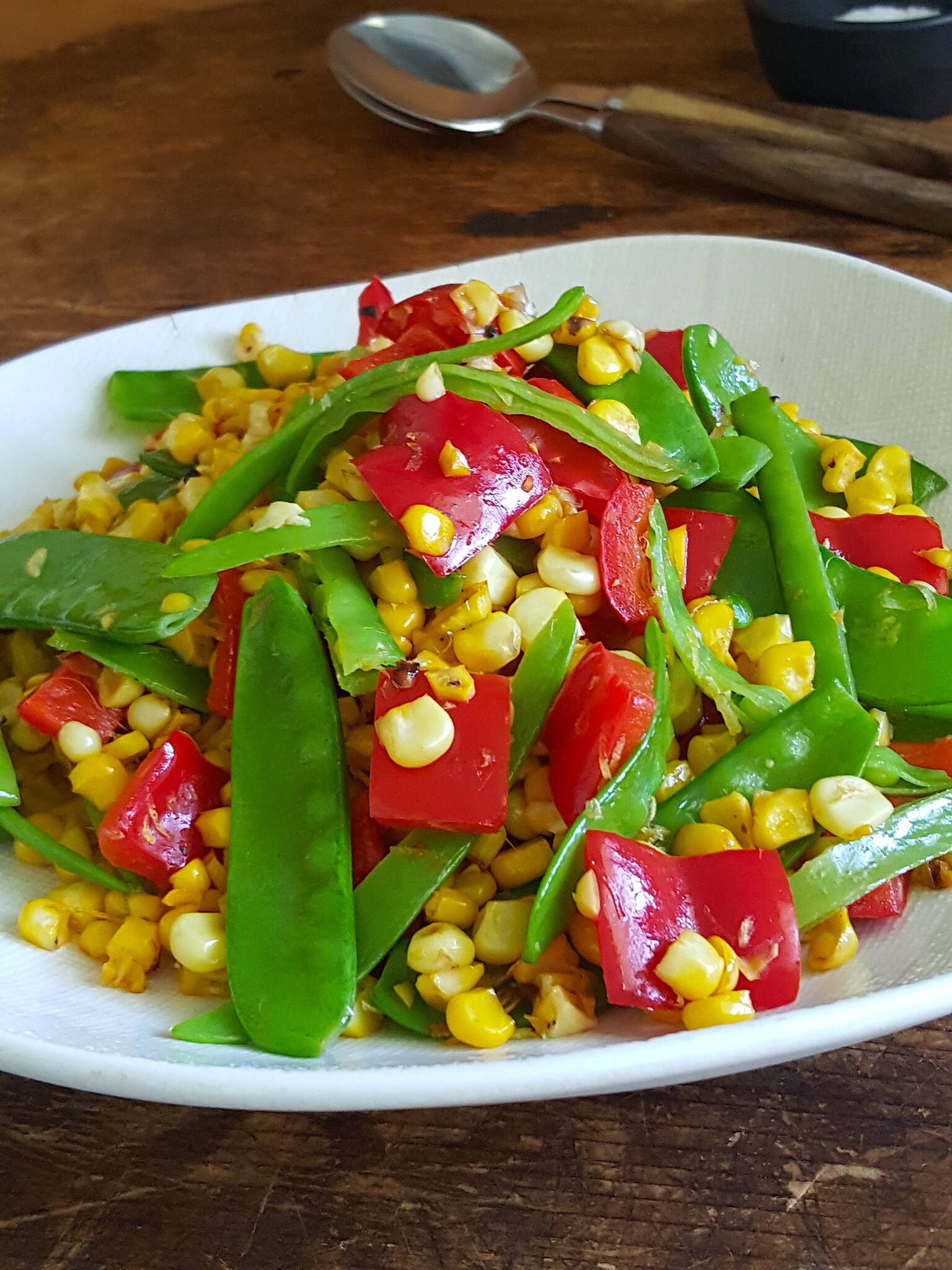Poppin' colour – Summer Corn & Snow Pea Salad
